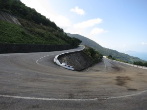 A hairpin on the road leading up to the Hai Van Pass – possibly the scene of Kiwi Steve's misfortune?