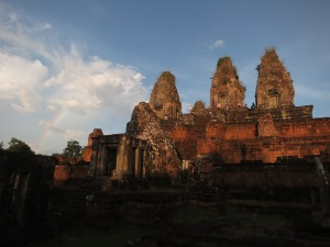 Prae Rup, looking vaguely hairy and prettily red at sunset