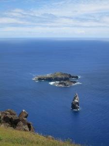 The islets of (closest to farthest) Motu Kao Kao, Motu Iti and Motu Nui, south-west of Easter Island